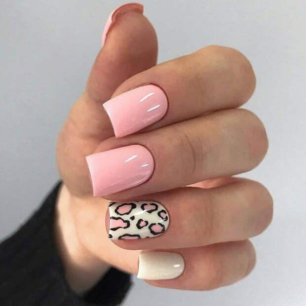 розовые ногти с леопардовым принтом