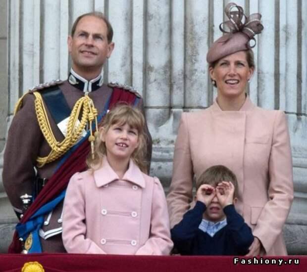 Королевская семья: другой взгляд