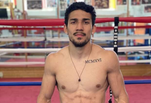 Американец Лопес стал абсолютным чемпионом мира по боксу