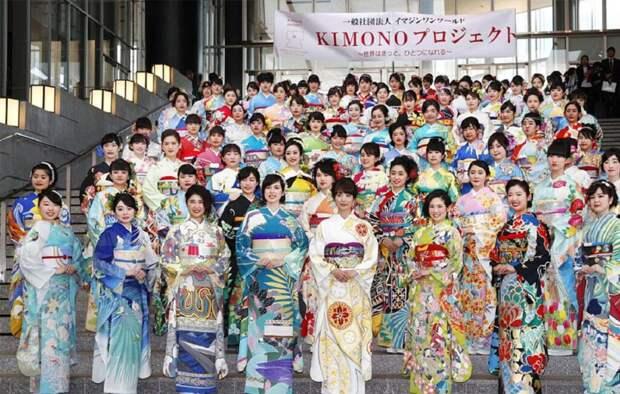 Японские дизайнеры в честь Олимпиады сшили для каждой страны-участницы кимоно