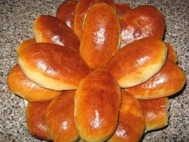 Пирожки из постного дрожжевого теста  с печенью и гречневoй кашей