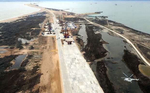 Украинцы просят Порошенко запретить строительство Керченского моста. Рабочие громко стучат молотками?