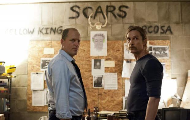 Как правильно смотреть кино на иностранном языке: 4 детективных мини-сериала
