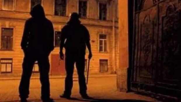 Ночью малолетние преступники Севастополя избивали случайных прохожих