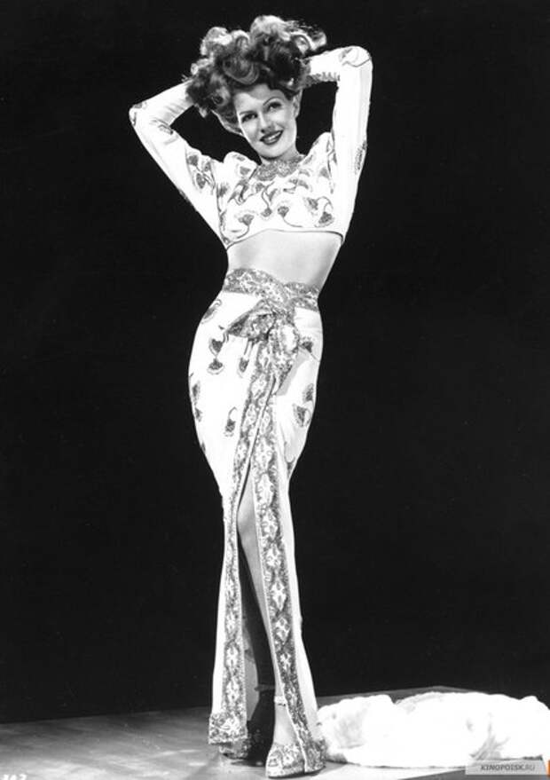 """Рита Хэйворт. Промо фотосессия для фильма """"Гильда""""."""