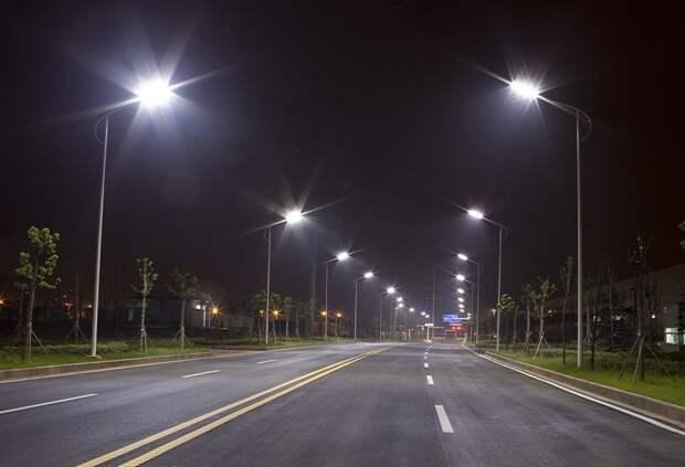 За год в Ленобласти построили 21 км линий освещения вдоль дорог