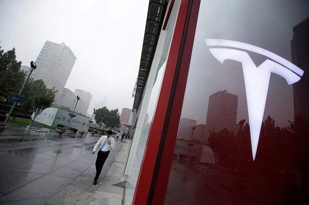 Илон Маск хочет выпускать текилу под брендом Tesla