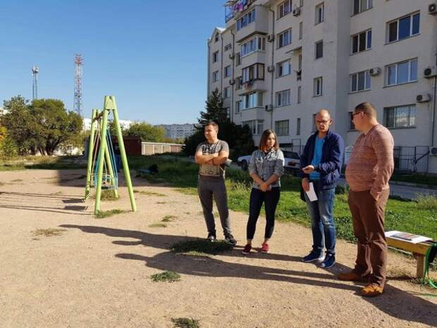 Члены партии «Единая Россия» активно поддерживают конкурс «Самый дружный двор»
