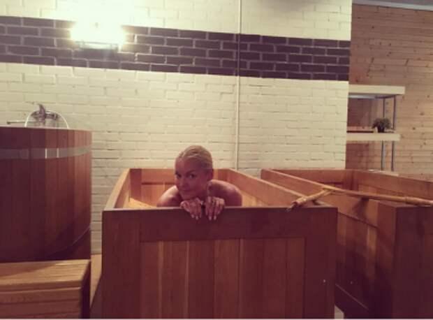 Волочкова опубликовала фото из японской бани