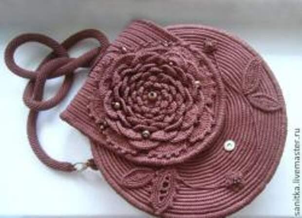 Вяжем сумочку розу