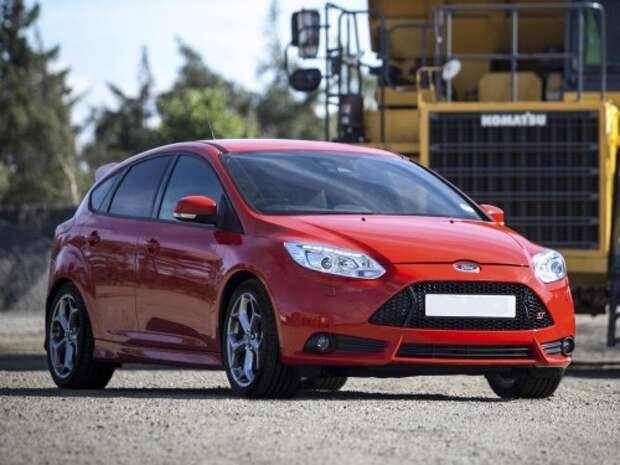 Ford_Focus_Hatchback 5 door_2012