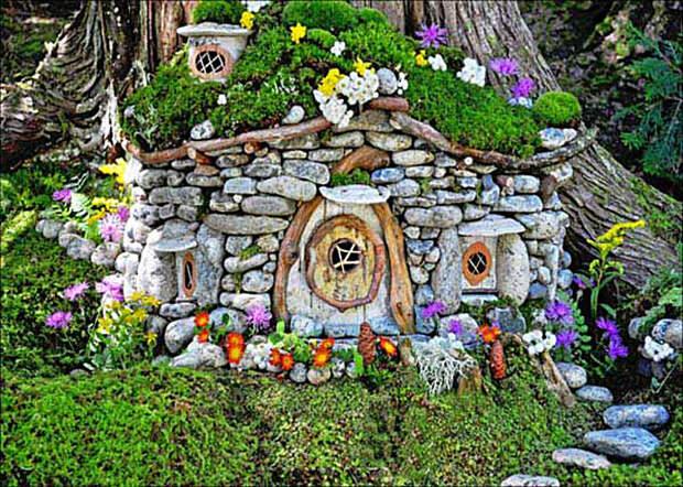 Удивительный домик из камней.