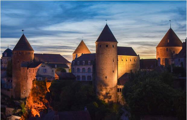 Город-крепость Семюр-ан-Осуа: ожившая сказка герцогов Бургундских