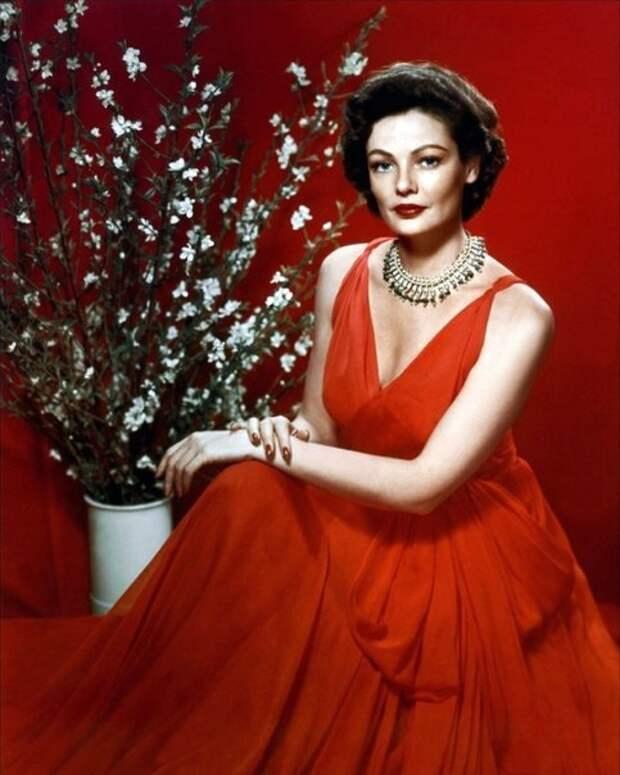 Актрисы и цветы: Джин Тирни