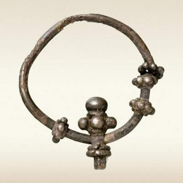 Обломок височного кольца «Волынского» типа