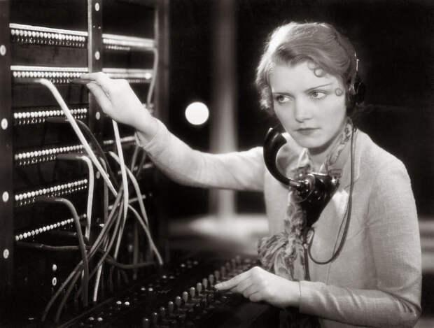 Опасные связи: как женщины спасли телефонную сеть