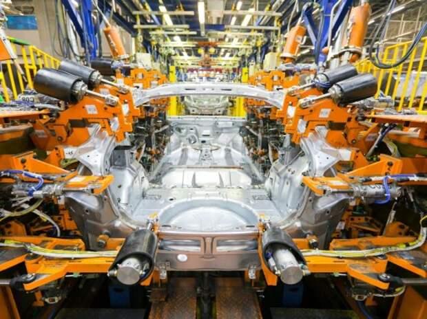 GM начала увольнения на заводе в Петербурге с руководителей