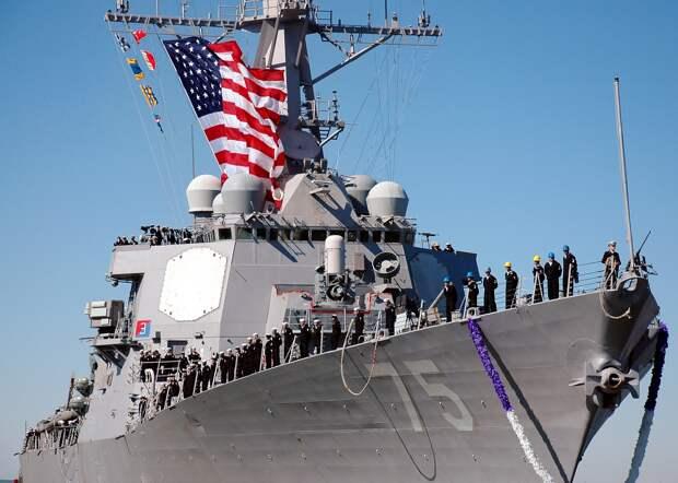 """Эсминец """"Дональд Кук"""" ВМС США получил предупреждение о наведении на него ракет"""