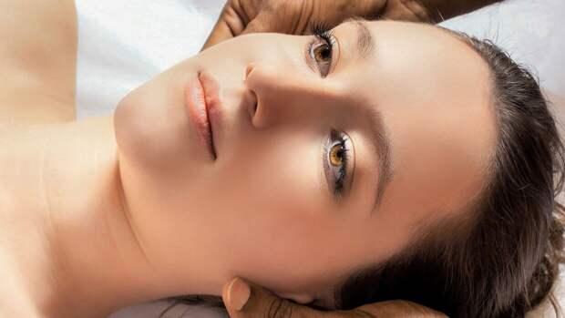 Косметолог дал три совета для улучшения состояния кожи весной