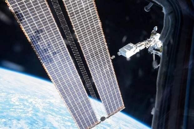 """Последние новости на утро 17 апреля 2021: Космонавты с МКС возвращаются на Землю на корабле """"Союз МС-17"""""""