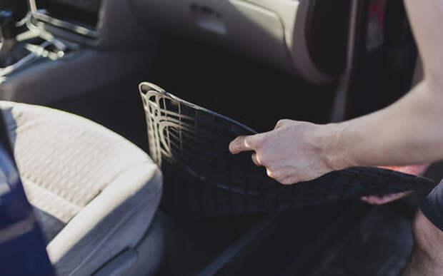 Резиновый, ворсовый или «памперс»... — выбираем правильный коврик