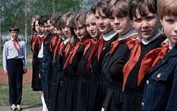 Линейка. Пионерская. СССР, история, школа