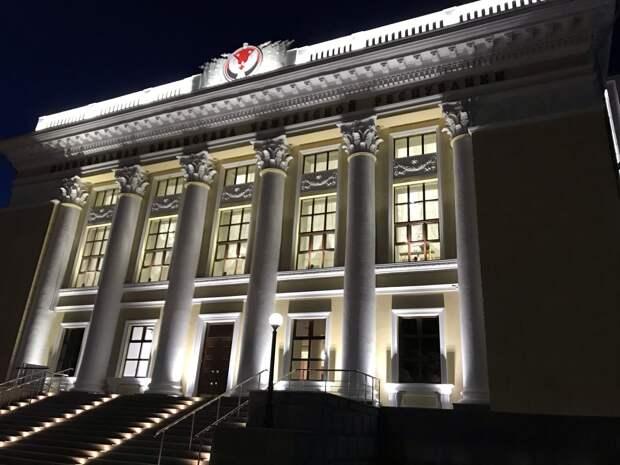 В Ижевске на фасаде Национальной библиотеки Удмуртии в день ее открытия покажут светомузыкальное шоу
