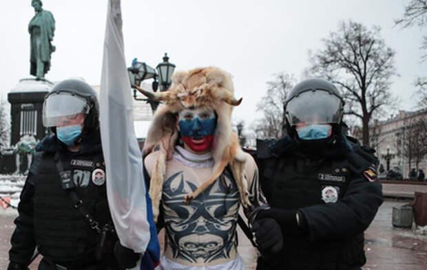 Почти 270 человек привлекли к ответственности после несогласованной акции в Москве