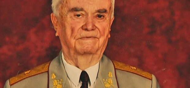 «Чтобы не отдать москалям» – украинский генерал рассказал, зачем Киев героизировал «майора Вихря»