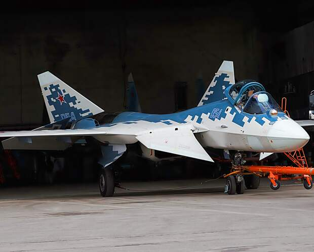 """""""В США так и не поняли, что русские сделали с самолётом"""". Истребитель 5-го поколения Су-57"""