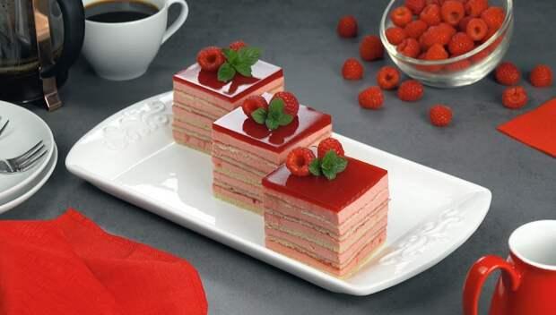 Красивый десерт «Малиновая мечта»: с нежным кремом и желе