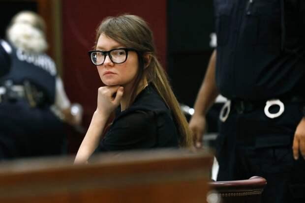 8 фактов об Анне Сорокиной — она же Анна Делви, которая притворялась богатой и крала деньги