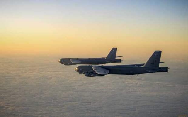 Пугая Иран 2 американских стратега B-52 подлетели к границе Сирии