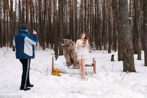 Русские модели, снявшиеся в фотосессии с медведем, взорвали англоязычный интернет