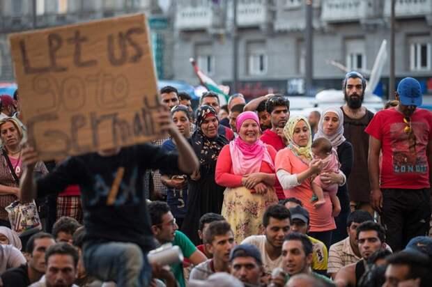 Ты против демократии, которые несут бомбардировщики НАТО