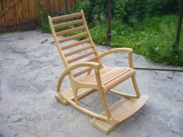 САМОДЕЛКИ. Кресло качалка из дерева