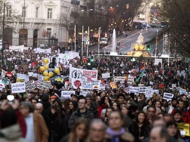 Многотысячная акция протеста против мер жесткой экономии прошла в Брюсселе