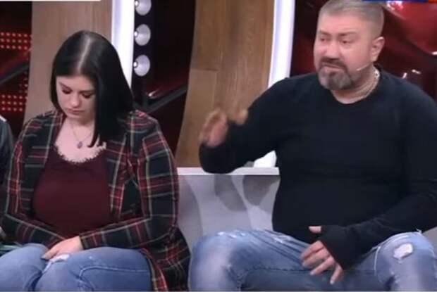 Дочь Кати Огонёк устроила истерику в телешоу и обвинила своего папу в причастности к уходу мамы