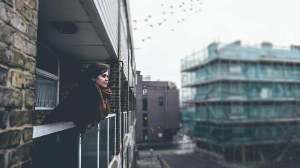 В МЧС уточнили, что курить на балконах можно