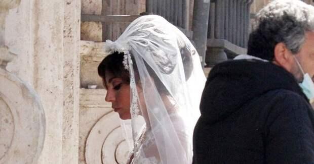 Леди Гага в свадебном платье снимается в фильме «Гуччи»