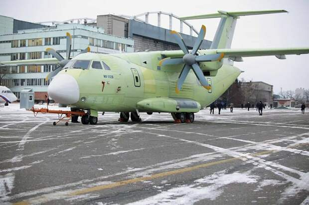 Новейший российский самолет ИЛ-112В успешно совершил первый полет