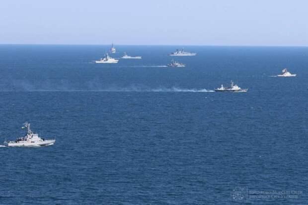Новая военная тактика России по Черному морю вызывает тревогу в НАТО