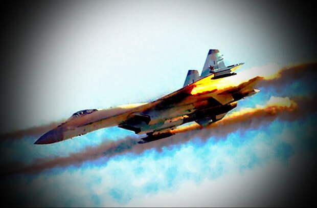 Самолет Су-35 российских ВКС наносит ракетный удар