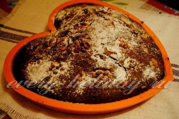 Быстрый пирог с вареньем и корицей «Бедный студент»