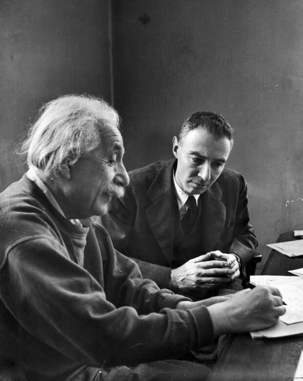 Альберт Эйнштейн