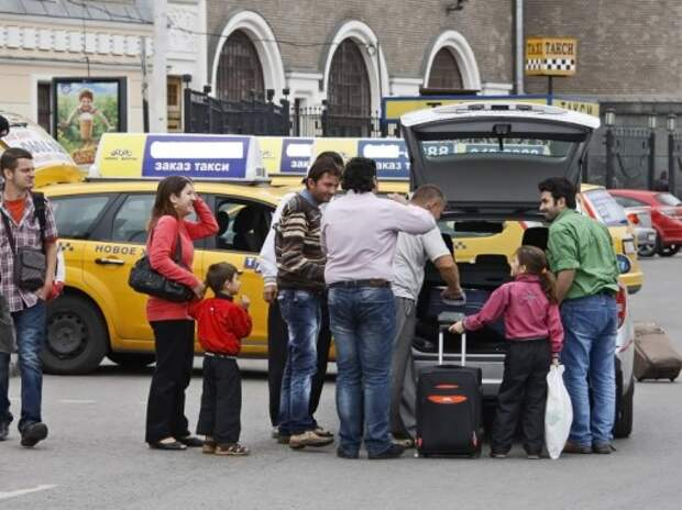 В Москве предложено установить единые тарифы для всех такси