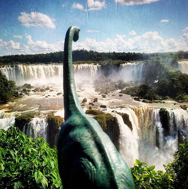 travel-photography-dinosaur-toys-dinodinaseries-jorge-saenz-