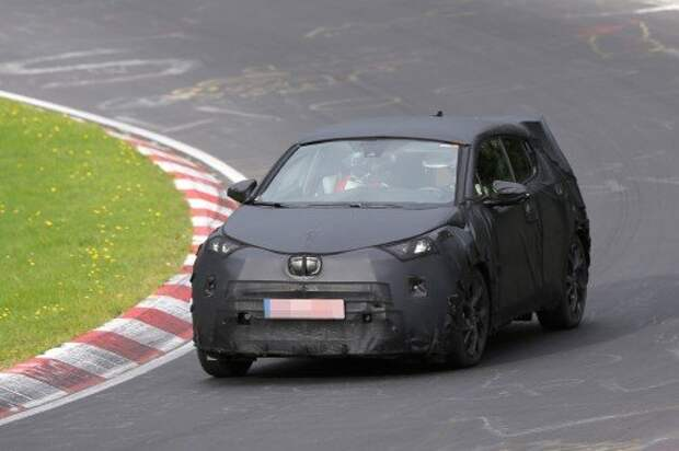 nissan-juke-rival-from-toyota-spied-testing-on-the-nurburgring-for-the-first-time-photo-gallery_1