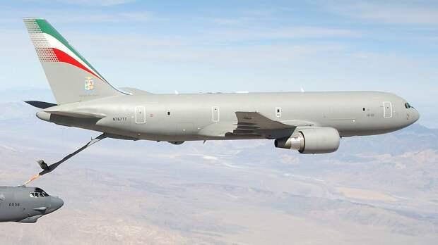 В США объяснили, почему самолет-заправщик Boeing KC-46A Pegasus не сможет далеко летать