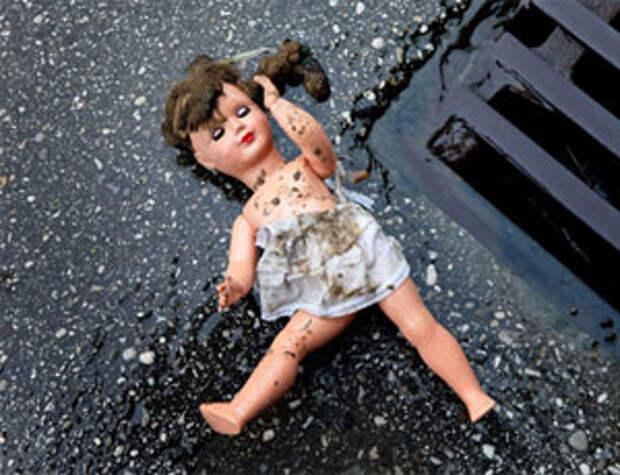 Алтайская пенсионерка забила до смерти ребенка хлопушкой для ковров